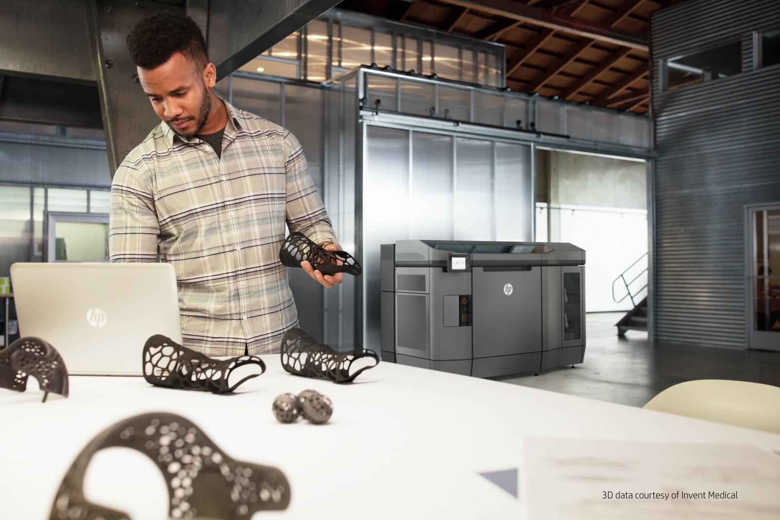 HP Jet Fusion 3D Printer in enviro_Credits Needed_003