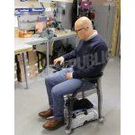 le-mobili-kit-permet-de-faire-de-n-importe-quelle-chaise-un-fauteuil-roulant-photo-astrid-gayet-1526239514
